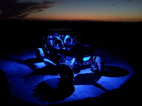 LQ-Racing Rock Light Stabile mehrfarben Lichter 3W Bluetooth – Steuerung ideal für ATV / UTV / Quad